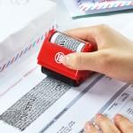 Identitätsschutz, selbstfärbender Datenschutz-Rollstempel, versteckt überschreibt Informationen Stempel